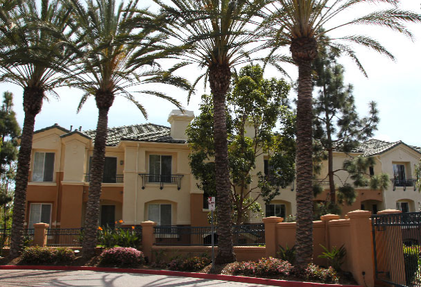 Commercial painting contractor for HOA's and Apartments